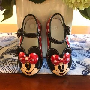 Minnie Mouse Disney toddler 5/6 shoes